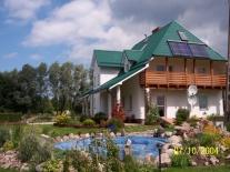 zdjęcie domu od strony ogrodu